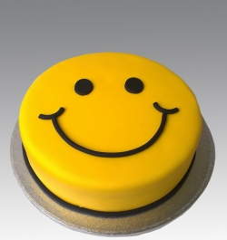 1 Pound Smiley Cake